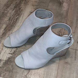 NWOB Franco Sarto Wedge Sandals Size 7.5